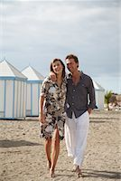 Couple at Beach    Stock Photo - Premium Rights-Managednull, Code: 700-01200433