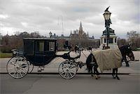 Horse Carriage, Heldenplatz, Vienna, Austria    Stock Photo - Premium Rights-Managednull, Code: 700-01249115