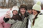 Friends Taking Pictures    Stock Photo - Premium Royalty-Free, Artist: Masterfile, Code: 600-01249428
