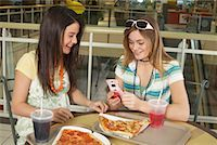 Teenagers at Mall    Stock Photo - Premium Royalty-Freenull, Code: 600-01275524