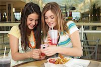 Teenagers at Mall    Stock Photo - Premium Royalty-Freenull, Code: 600-01275528