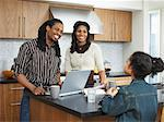 Family in Kitchen    Stock Photo - Premium Royalty-Free, Artist: Masterfile, Code: 600-01276354