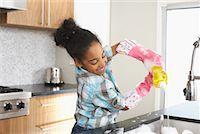picture black girl washing dishes - Girl Washing Dishes    Stock Photo - Premium Royalty-Freenull, Code: 600-01276414