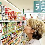 Woman in Grocery Store    Stock Photo - Premium Rights-Managed, Artist: Noel Hendrickson, Code: 700-01345654