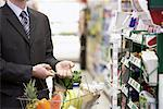 Man in Grocery Store    Stock Photo - Premium Rights-Managed, Artist: Noel Hendrickson, Code: 700-01345685