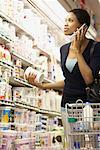 Woman in Grocery Store    Stock Photo - Premium Rights-Managed, Artist: Noel Hendrickson, Code: 700-01345712