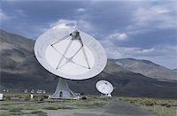 radio telescope - 27 meter radio telescopes, Owens Valley, CA, USA Stock Photo - Premium Royalty-Freenull, Code: 618-01439158