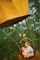 Couple in hot air balloon Stock Photo - Premium Royalty-Freenull, Code: 618-01443700