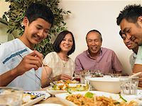 Family Dining Together    Stock Photo - Premium Royalty-Free, Artist: Masterfile, Code: 600-01593561