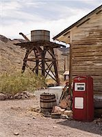 rural gas station - Old Water Tower and Gas Pump, Eldorado Canyon, Nevada, USA    Stock Photo - Premium Rights-Managednull, Code: 700-01607344