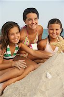 Portrait of Girls on Beach    Stock Photo - Premium Royalty-Freenull, Code: 600-01614226