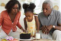 Family celebrating birthday    Stock Photo - Premium Royalty-Freenull, Code: 600-01615053