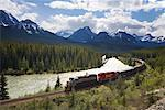 Train on Canadian Pacific Railroad, Banff National Park, Alberta, Canada    Stock Photo - Premium Royalty-Free, Artist: J. A. Kraulis, Code: 600-01632960