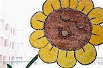 Close-up of a sunflower painted on a window pane Stock Photo - Premium Royalty-Free, Artist: Cusp and Flirt, Code: 630-01708549