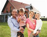 Portrait of Family    Stock Photo - Premium Rights-Managed, Artist: Masterfile, Code: 700-01716523