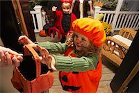 Portrait of Girl and other Children Trick or Treating at Halloween    Stock Photo - Premium Royalty-Freenull, Code: 600-01717708