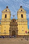 Facade of a cathedral, San Francisco Church And Convent, Lima, Peru Stock Photo - Premium Royalty-Free, Artist: David Zimmerman, Code: 625-01753312