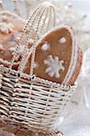 Orange biscuits with snow crystals in silver basket Stock Photo - Premium Royalty-Free, Artist: foodanddrinkphotos, Code: 659-01843402