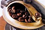 Coffee mill, close-up Stock Photo - Premium Royalty-Free, Artist: IIC, Code: 659-01852238