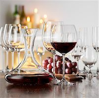 Still life with red wine in glass and decanter Stock Photo - Premium Royalty-Freenull, Code: 659-01853069