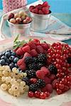 Mixed berries Stock Photo - Premium Royalty-Freenull, Code: 659-01853343