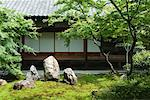 Japanese rock garden, traditional building in background Stock Photo - Premium Royalty-Free, Artist: Cusp and Flirt, Code: 633-02044250