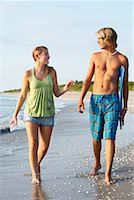Couple Walking on the Beach, South Florida, Florida, USA    Stock Photo - Premium Rights-Managednull, Code: 700-02046249
