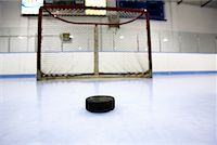 Hockey Puck and Net    Stock Photo - Premium Royalty-Freenull, Code: 600-02056042