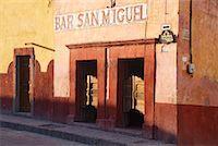 Bar San Miguel, San Miguel de Allende, Guanajuato, Mexico    Stock Photo - Premium Royalty-Freenull, Code: 600-02056726