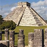 El Castillo Pyramid, Chichen Itza Mexico Stock Photo - Premium Royalty-Free, Artist: Jon Arnold Images, Code: 621-02057845