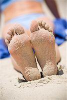 Woman's Sandy Feet on the Beach, San Clemente, Newport Beach, Orange County, Southern California, California, USA    Stock Photo - Premium Rights-Managednull, Code: 700-02081933