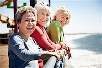 Women at the Beach, Santa Monica Pier, Santa Monica, California, USA    Stock Photo - Premium Rights-Managednull, Code: 700-02081976
