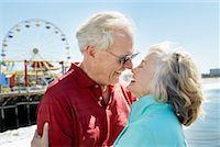 Couple on the Beach, Santa Monica Pier, Santa Monica, California, USA    Stock Photo - Premium Rights-Managednull, Code: 700-02125348