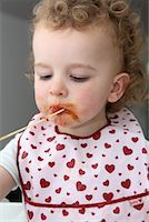 Baby Eating Spaghetti    Stock Photo - Premium Rights-Managednull, Code: 700-02216101