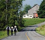 Amish Kids Walking Down Country Road, Rebersburg, Pennsylvania, USA    Stock Photo - Premium Rights-Managed, Artist: Tim Kiusalaas, Code: 700-02235668
