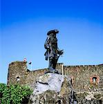 Statue of King William III (William of Orange), Carrickfergus Castle, Co Antrim, Ireland    Stock Photo - Premium Rights-Managed, Artist: IIC, Code: 832-02253164