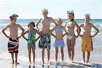 Group Portrait of Kids on the Beach, Elmvale, Ontario, Canada    Stock Photo - Premium Royalty-Freenull, Code: 600-02265285