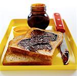 Marmite and toast    Stock Photo - Premium Rights-Managed, Artist: foodanddrinkphotos, Code: 824-02291349
