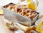 Easter hot cross loaf editorial food    Stock Photo - Premium Rights-Managed, Artist: foodanddrinkphotos, Code: 824-02294577