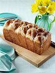Easter hot cross loaf editorial food    Stock Photo - Premium Rights-Managed, Artist: foodanddrinkphotos, Code: 824-02294578