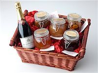 Large Hamper    Stock Photo - Premium Rights-Managednull, Code: 824-02294602
