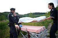 dead woman - Police Officer and Paramedics with Body Bag, Toronto, Ontario, Canada    Stock Photo - Premium Rights-Managednull, Code: 700-02348170