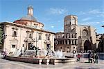 Spain, Valencia, basilica of the Virgin (basilica de la Virgen de los Desamparados) and cathedral Stock Photo - Premium Royalty-Freenull, Code: 610-02374553
