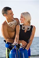 Portrait of Couple on the Beach With Scuba Diving Equipment, Fort Lauderdale, Florida, USA    Stock Photo - Premium Rights-Managednull, Code: 700-02386157