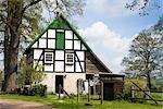Half-timbered Farmhouse, Bissendorf, Lower Saxony, Germany    Stock Photo - Premium Rights-Managed, Artist: F. Lukasseck, Code: 700-02428404