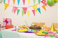streamer - Table Set for Birthday Party    Stock Photo - Premium Royalty-Freenull, Code: 600-02461301