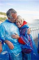 Couple at Niagara Falls, Ontario, Canada    Stock Photo - Premium Rights-Managednull, Code: 700-02593653
