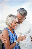 Couple at Niagara Falls, Ontario, Canada    Stock Photo - Premium Rights-Managednull, Code: 700-02593661