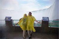 Couple at Niagara Falls, Ontario, Canada    Stock Photo - Premium Rights-Managednull, Code: 700-02637185