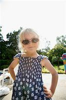 Portrait of Girl with Sunglasses    Stock Photo - Premium Rights-Managednull, Code: 700-02637300